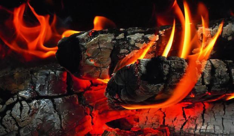 Rüyada yangın görmek ve söndürmek ne anlama gelir? Rüyada yangın dumanı neye işaret eder?