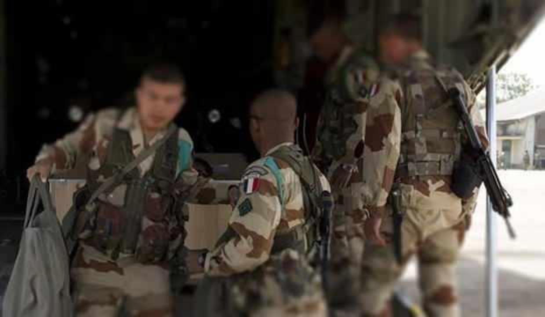 Fransa'da Macron'a inat Fransız askerlerinin eski görüntüleri gündem oldu