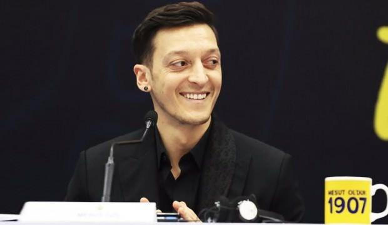 Mesut Özil oy vereceği partiyi açıkça ilan etti!