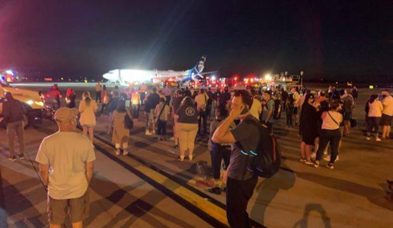 Uçakta alev alan telefon paniğe yol açtı! 128 yolculu uçak acil iniş yaptı