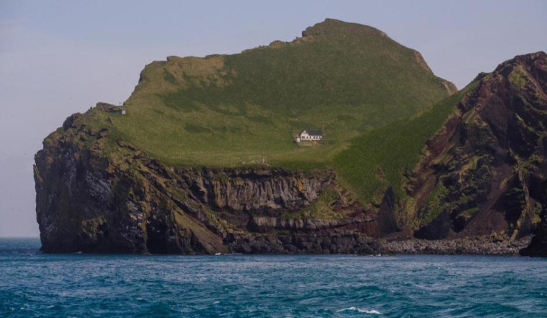 Dünyanın konuştuğu ada! Peki bu ev kime ait?