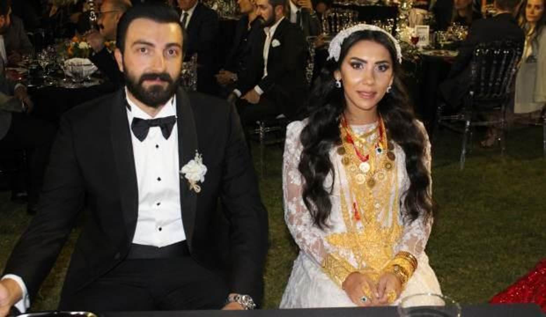 1500 davetli düğünde gelin ve damada 2 milyon lira para ve 4 kilo altın taktı