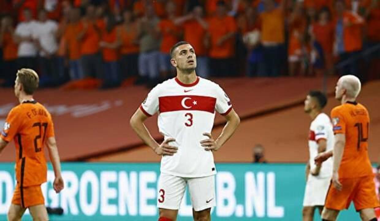 Hollanda karşısındaki oyun taraftarları isyan ettirdi!