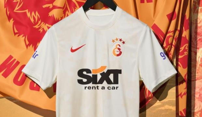 Galatasaray'ın alternatif forması belli oldu!