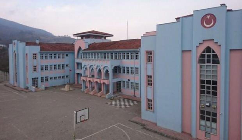 İlk kez bir okulda tamamen uzaktan eğitime geçildi
