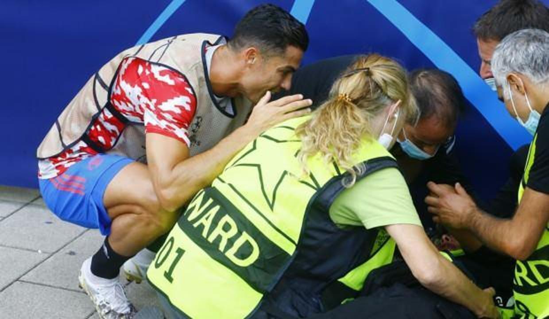 Ronaldo, baygınlık geçiren güvenlik görevlisinin yardımına koştu