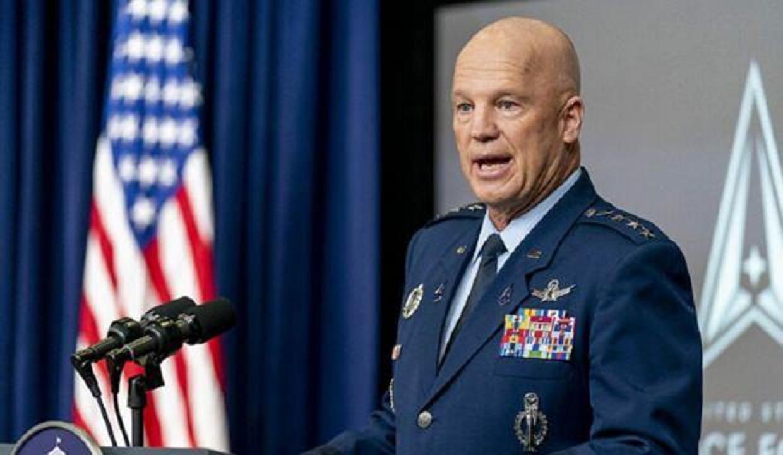 ABD'li komutan: Rusya silahla donatılmış matruşka bebeği yörüngeye yerleştirdi