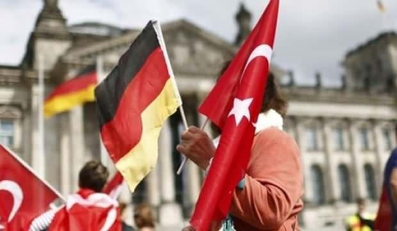 Almanya'da tarihi seçim: Türkler kimi seçecek?