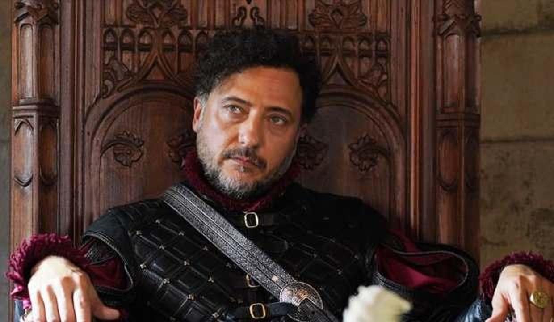 Barbaroslar Pietro kimdir? Yiğit Özşener aslen nereli ve kaç yaşında? Yiğit Özşener evli mi?