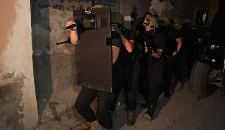Son dakika haberi! Adana ve İstanbul'da DEAŞ operasyonu: 14 gözaltı