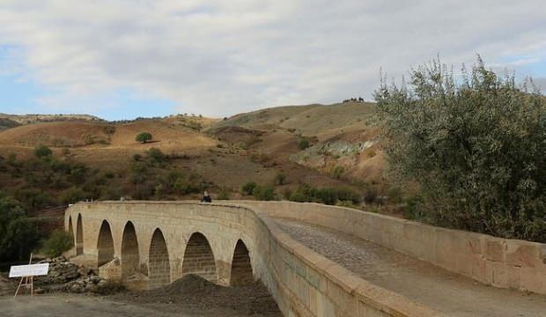 Tarihi Develioğlu Köprüsü yenilendi