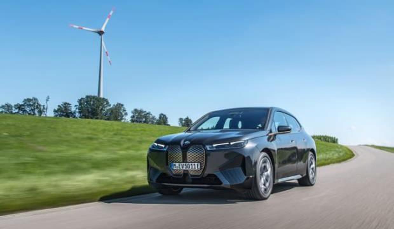BMW iX, Türkiye'ye gelmek için gün sayıyor! Fiyatı belli oldu