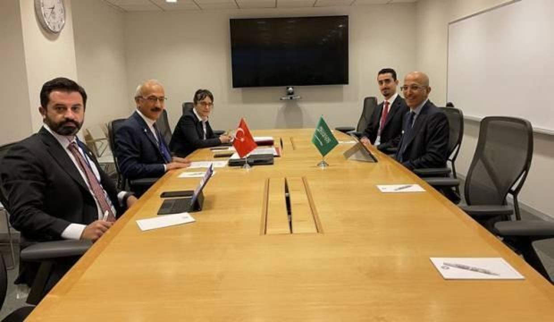 Bakan Elvan Suudi Arabistanlı mevkidaşıyla görüştü