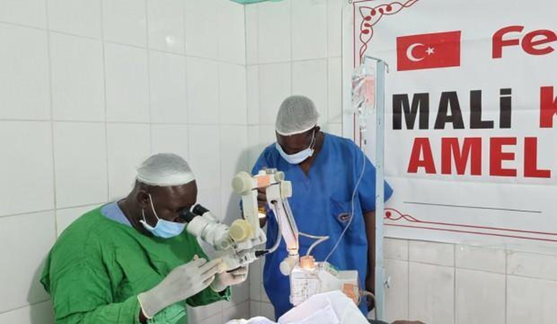 Fetih 1453 Derneği katarakt hastalarına umut oluyor