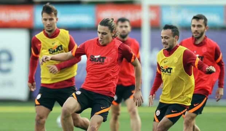 Galatasaray, Muslera ve Yedlin hariç tam kadro