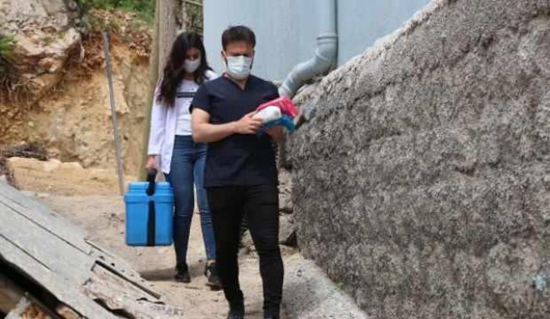 Şanlıurfa'da aşı ikna timleri köy köy geziyor
